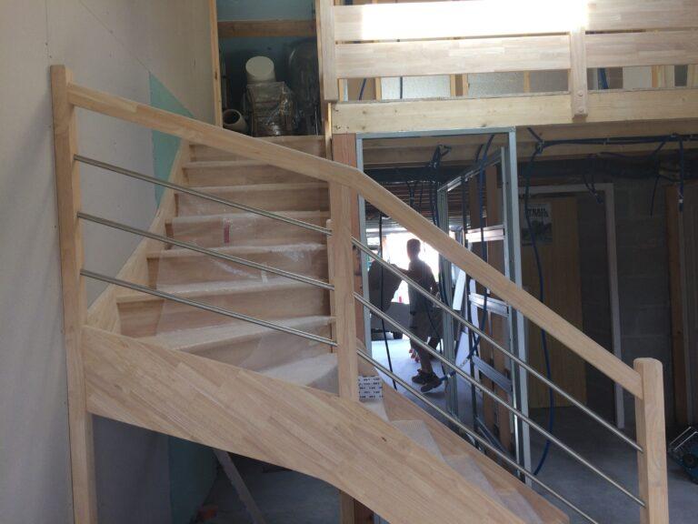 Escalier HEVEA avec Garde corps Lisses INOX3